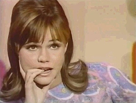 celebrity-game-show-contestants-sally-field__iphone_640.jpg