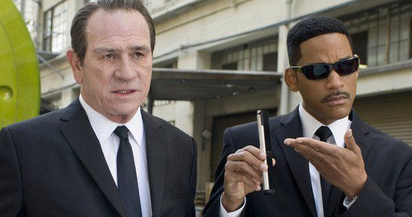 Tommy Lee Jones and Will Smith Men In Black