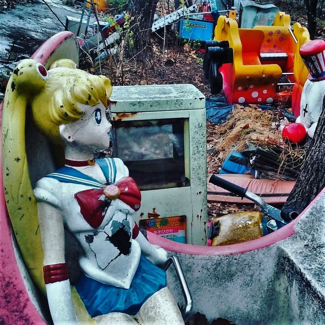 13 Abandoned Theme Parks Whose Characters Will Give You