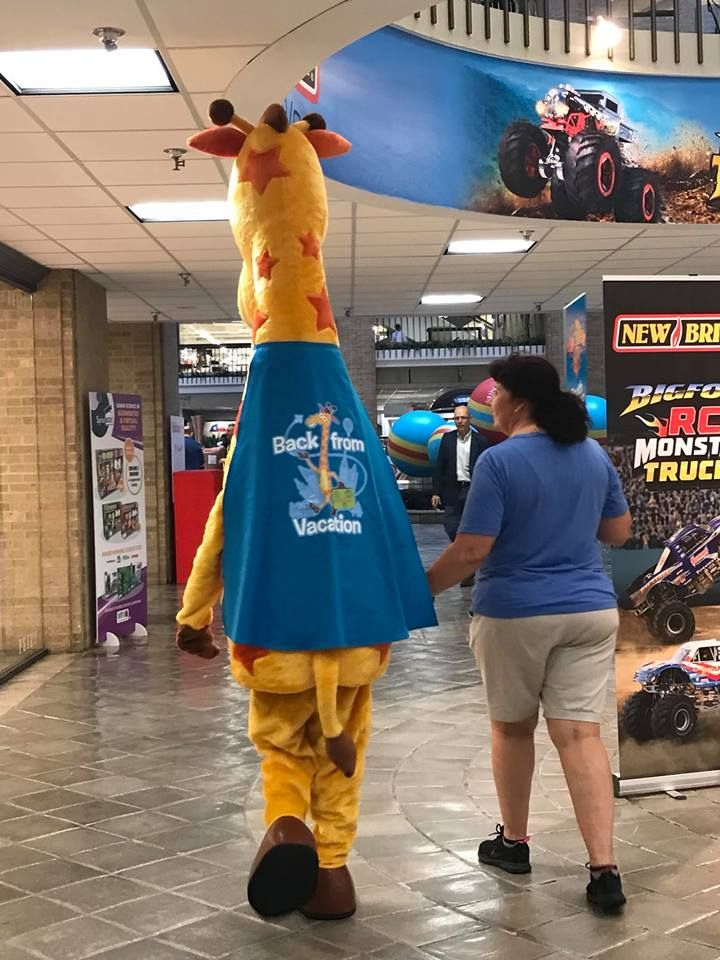 Geoffrey the Giraffe back from vacation