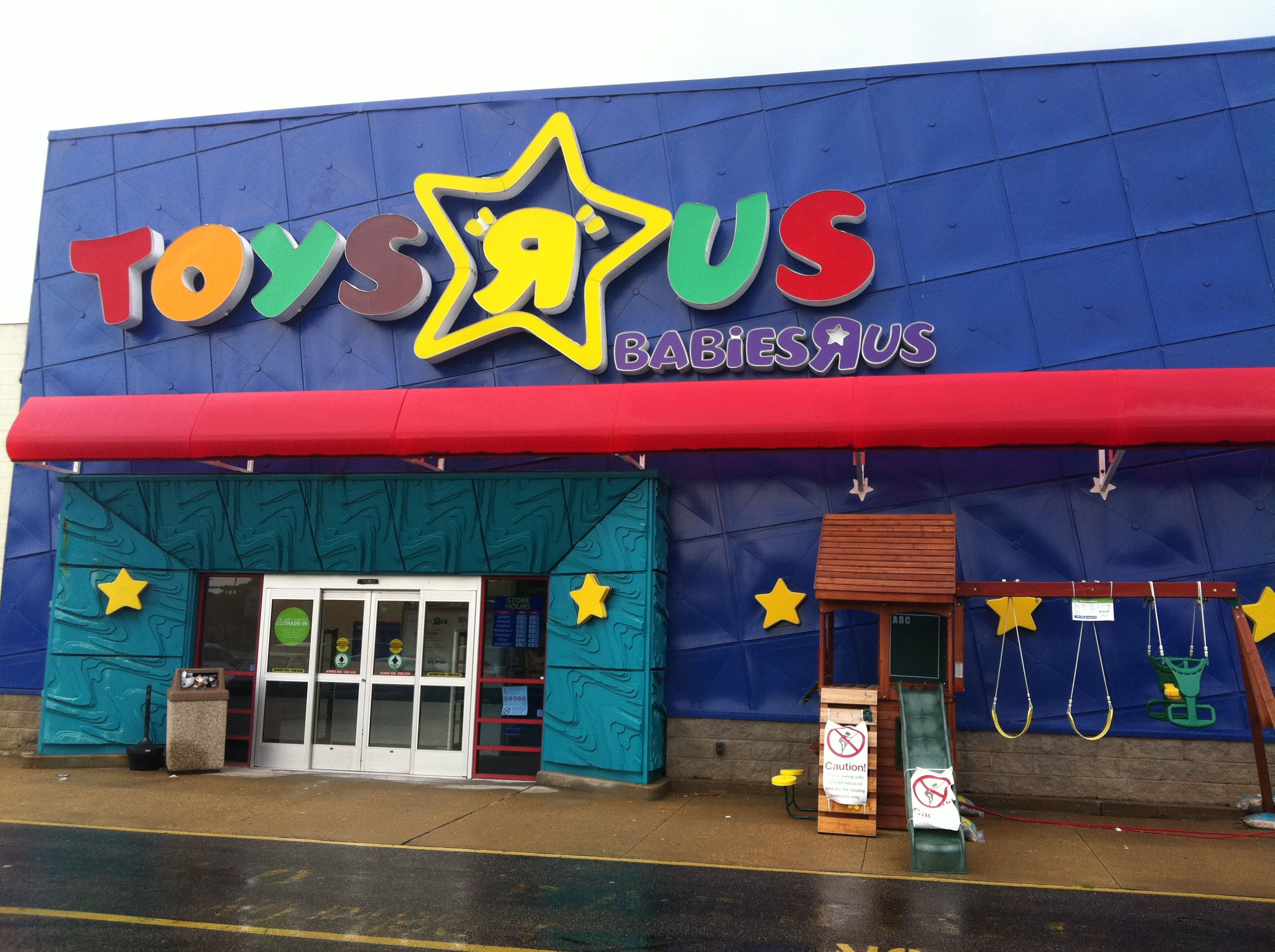 Toys 'R' Us Store Front