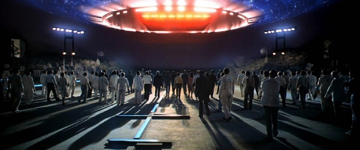 The alien ship descends in 'Close Encounters of the Third Kind'