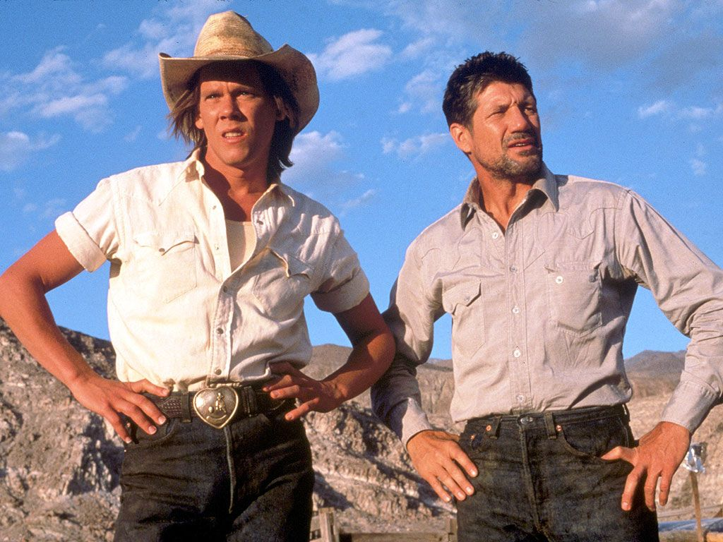 Kevin Bacon and Fred Ward in 'Tremors'